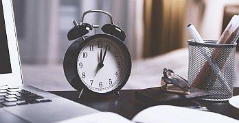Müde im Büro – 7 Tipps gegen Wintermüdigkeit